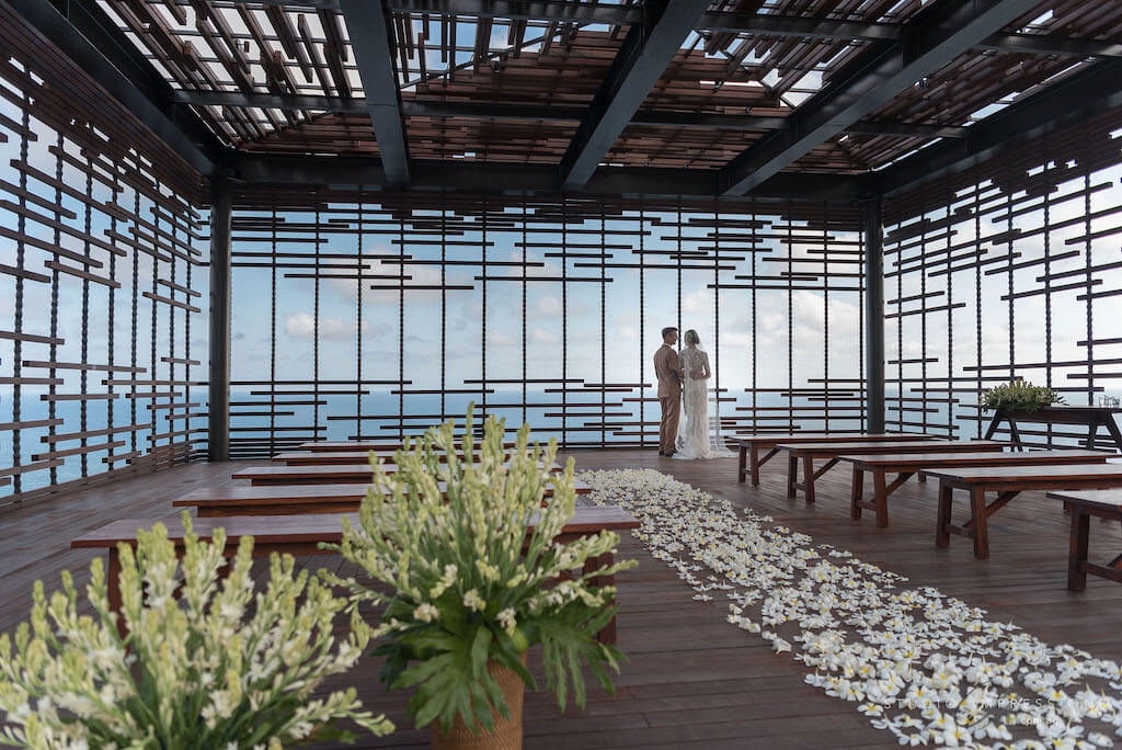 Cliff Edge Cabana Wedding Bali - Couple