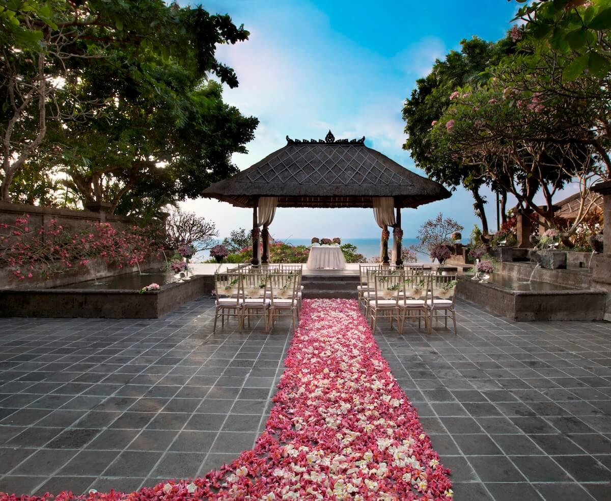 Ayana Bale Kencana Wedding Flower Petal